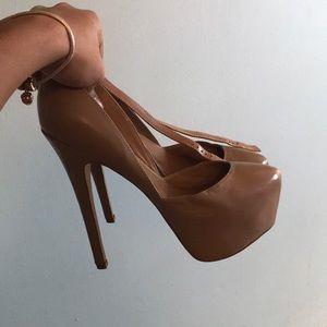 Steve Madden high heeled clogs